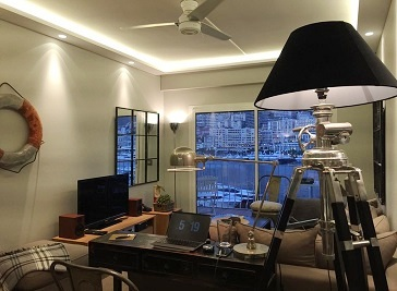 Fashionable sea-front apartment